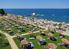 Pinia Residence - โพเรซ - ชายหาด