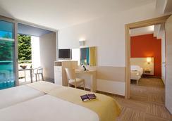 Valamar Crystal Hotel - โพเรซ - ห้องนอน