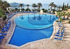 Yasmin Bodrum Resort - โบดรัม - สระว่ายน้ำ