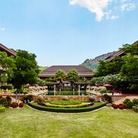 Romantic Resort and Spa Garden