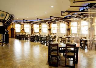 Khan-Chinar Hotel
