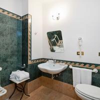 The Duke Hotel Bathroom