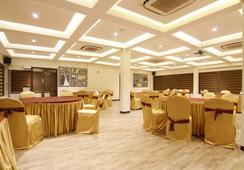 Fabhotel Eaglewood Gachibowli - ไฮเดอราบรัด - ร้านอาหาร
