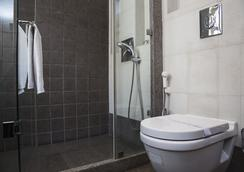 Fabhotel Midaas Comfort - มุมไบ - ห้องน้ำ
