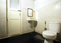 Fabhotel Esparan Pondicherry - ปูดูเชร์รี - ห้องน้ำ