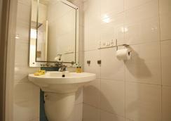 FabHotel Park Inn - เบงกาลูรู - ห้องน้ำ