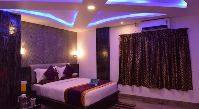 Fabhotel Legacy Brigade Road - Bangalore - Bedroom