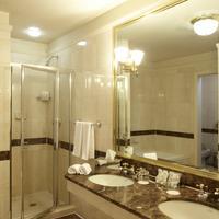 The Avalon Hotel Bathroom