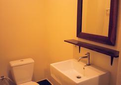 The Outside Inn - อุบลราชธานี - ห้องน้ำ