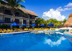 The Reef Coco Beach Resort - พลาย่า เดล ตาร์เมน - สระว่ายน้ำ