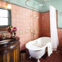 Britt Scripps Inn Bathroom