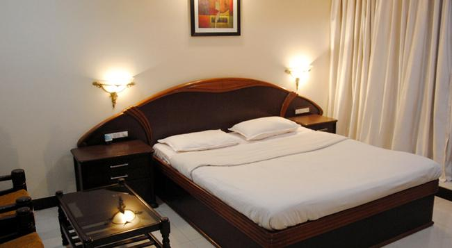 Gharonda Residency - Pune - Bedroom
