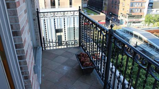 โรงแรมบลูมูน - นิวยอร์ก - ระเบียง