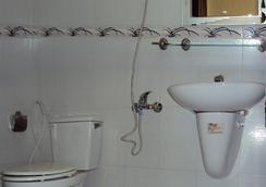 Thien Hong Guesthouse - โฮจิมินห์ซิตี้ - ห้องน้ำ