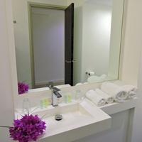 Hotel Beaurivage Bathroom