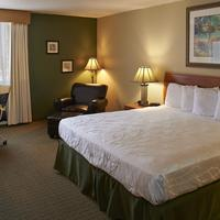 Dakotah Lodge Guestroom