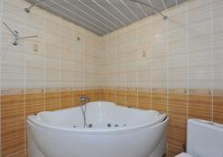 Hotel Palace - วอลโกกราด - ห้องน้ำ