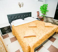 Frant Hotel on Zhukova