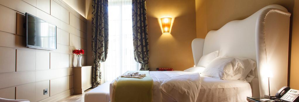Firenze Number Nine Wellness Hotel - Florence - Bedroom