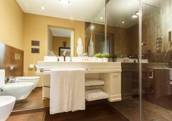 Firenze Number Nine Wellness Hotel - ฟลอเรนซ์ - ห้องน้ำ