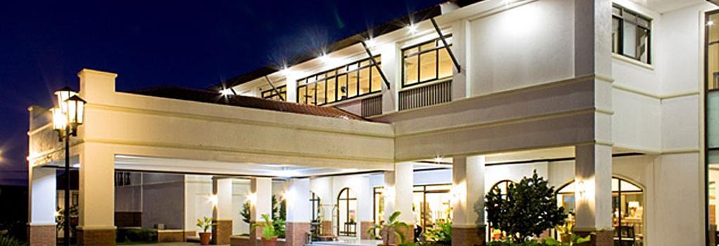 Plaza Del Norte Hotel & Convention Center - Laoag - Building