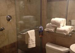 Hyde Park Hotel - แทมปา - ห้องน้ำ