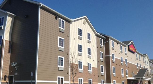 Woodspring Suites Atlanta Chamblee - Atlanta - Building