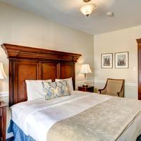 Hotel St. Pierre French Quarter Guestroom