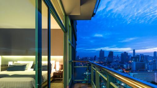 โรงแรมชาเทรียม ริเวอร์ไซด์ กรุงเทพฯ - กรุงเทพมหานคร - ระเบียง