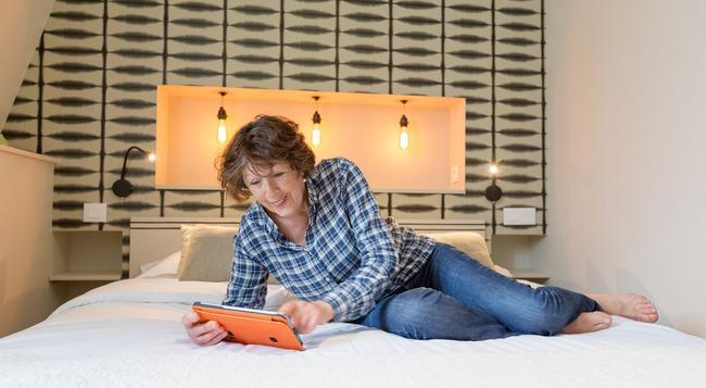 Hotel Les Alizes - Dinard - Bedroom