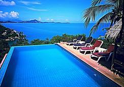 Ban Sua Samui - เกาะสมุย - สระว่ายน้ำ