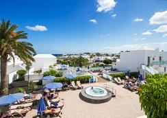 Hotel Lanzarote Village - เปอร์โต เดล กาเมน - สระว่ายน้ำ