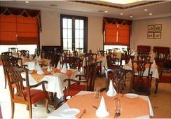 Hari Niwas Palace - ชัมมู - ร้านอาหาร