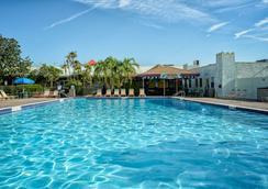 Seralago Hotel & Suites Main Gate East - คิสซิมมี - สระว่ายน้ำ