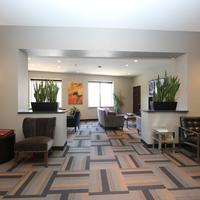 The East Avenue Inn & Suites Lobby Sitting Area