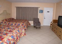 Daytona Shores Inn and Suites - เดโทนา บีช - ห้องนอน