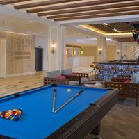 Warwick Paradise Island Bahamas - Adult Only Billiards