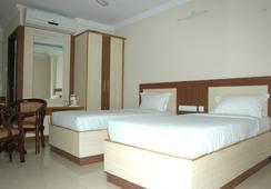 Hotel Sri Sai Regency - ไฮเดอราบรัด - ห้องนอน