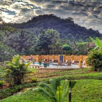 Sleeping Giant Rainforest Lodge Exterior