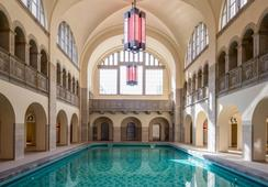 Hotel Oderberger - เบอร์ลิน - สระว่ายน้ำ
