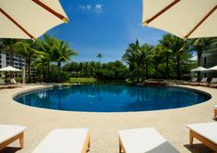 Grand West Sands Resort & Villas Phuket - Mai Khao - สระว่ายน้ำ