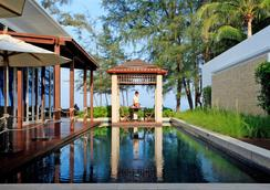 Grand West Sands Resort & Villas Phuket - Mai Khao - เลานจ์