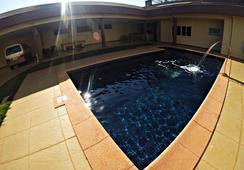 Hostel Saint Patricks - ฟอส โด อีกวาซู - สระว่ายน้ำ