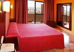 Hotel Royal Costa - ทอร์เรโมลินอส - ห้องนอน