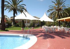 Hotel Royal Costa - ทอร์เรโมลินอส - สระว่ายน้ำ