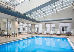AC Hotel Chicago Downtown - ชิคาโก - สระว่ายน้ำ