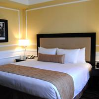 The Pickwick Hotel Guestroom