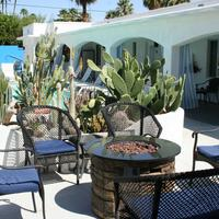 Posh Palm Springs Inn Terrace/Patio