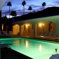 Posh Palm Springs Inn Exterior