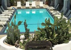Posh Palm Springs - ปาล์มสปริงส์ - สระว่ายน้ำ